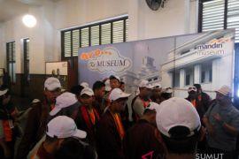 SIswa SMN belajar sejarah Museum Bank Mandiri