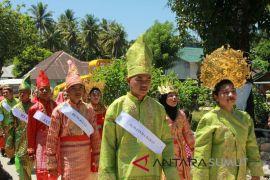 Pawai Karnaval meriahkan HUT RI di Panyabungan Timur