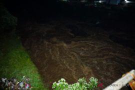 Air sungai di Padangsidimpuan mulai surut