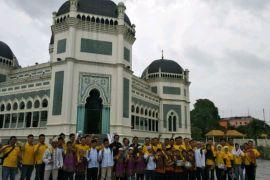 Maybank gelar aksi bersihkan Masjid Raya Medan