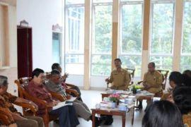 Komite Kerjasama Kesehatan Sumut ke Samosir