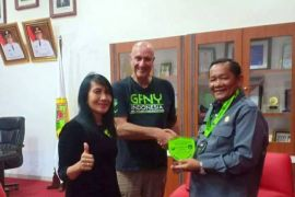 Bupati Samosir dapat penghargaan dari GFNY