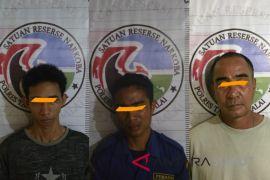 Polisi bekuk tiga pria pemilik narkotika