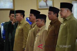 Sepuluh pejabat administrator dilantik