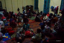 Warga mengungsi sejauh empat kilometer