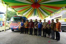 Wali Kota Padangsidimpuan salurkan bantuan korban banjir Madina