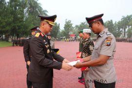 Kapolda beri penghargaan anggota Kesdam I/BB