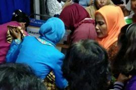 Penumpang kereta api Rantau Prapat - Medan melahirkan