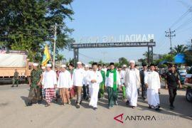 Ribuan santri meriahkan Hari Santri di Madina