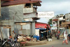 Pemkot diminta benahi bangunan alihfungsikan trotoar