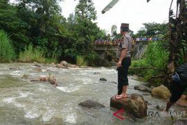 Dua mayat wanita ditemukan di Aek Nambilung