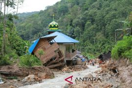BPBD terus lakukan pembersihan material pasca banjir