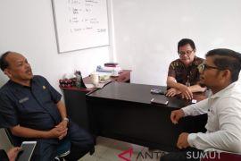 Tiga tersangka kasus dugaan korupsi di Tapteng ditahan
