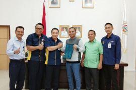 Bupati Tapteng terimas CSR Bank Mandiri