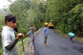 Perbaikan ruas jalan penghubung antardesa