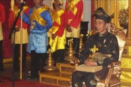 Presiden dapat gelar dari Kesultanan Deli