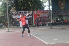 Tenis beregu putri kalahkan Kepri