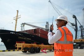 Pelindo I uji coba pengoperasian terminal petikemas Kuala Tanjung