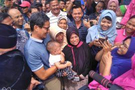 Cawapres Sandiaga Uno disambut pedagang Tanjungpura