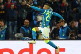 Napoli pimpin klasememen grup c setelah imbang 1-1 dengan PSG
