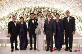Anies hadiri resepsi pernikahan
