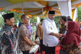 Bupati : petugas kesehatan ikhlas dalam melayani masyarakat