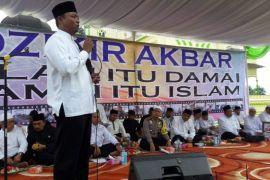 Warga Tanjungpura-Polres Langkat laksanakan Zikir Akbar