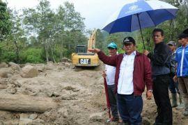Pembenahan terdampak longsor di Samosir
