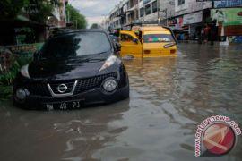 Lakukan ini jika mobil mati terendam banjir