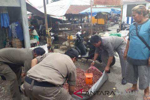 Satpol  PP tertibkan pedagang di trotoar