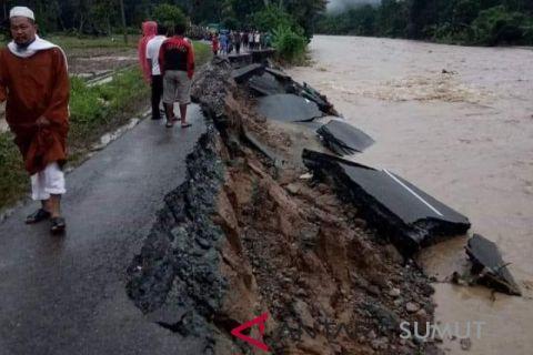 Tergerus sungai, Jalan Kota Nopan amblas