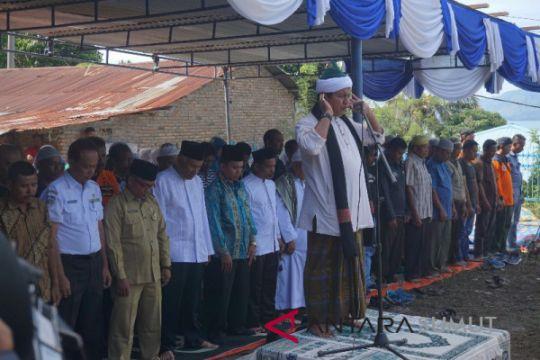 Doa bersama untuk korban kapal tenggelam
