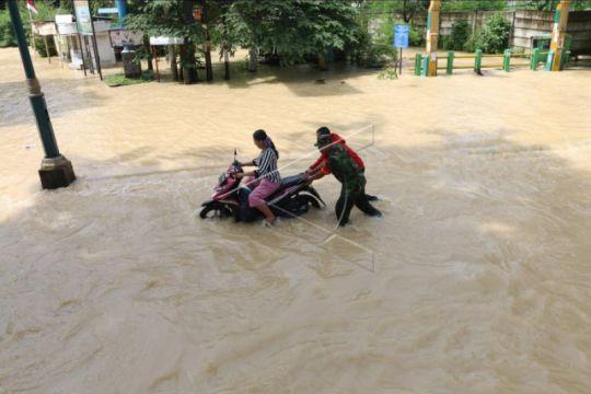 Pemprov Sumut cari solusi atasi banjir