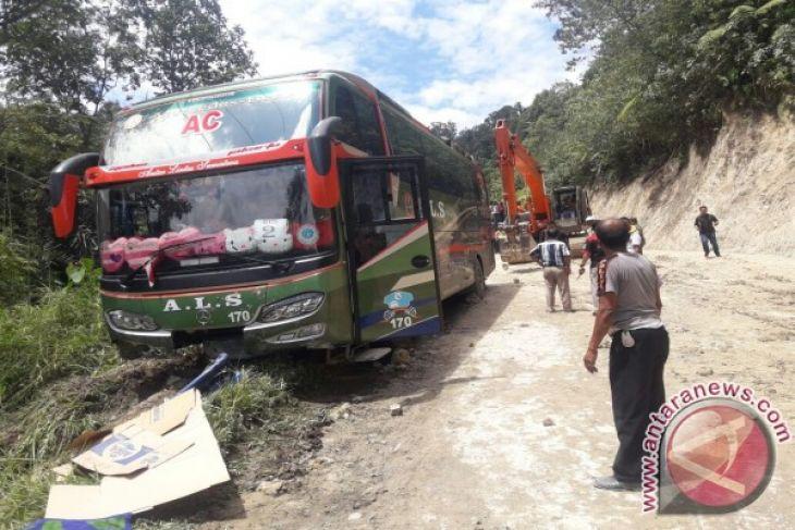 Bus Calon Haji Kecelakaan Saat Terjebak Macet