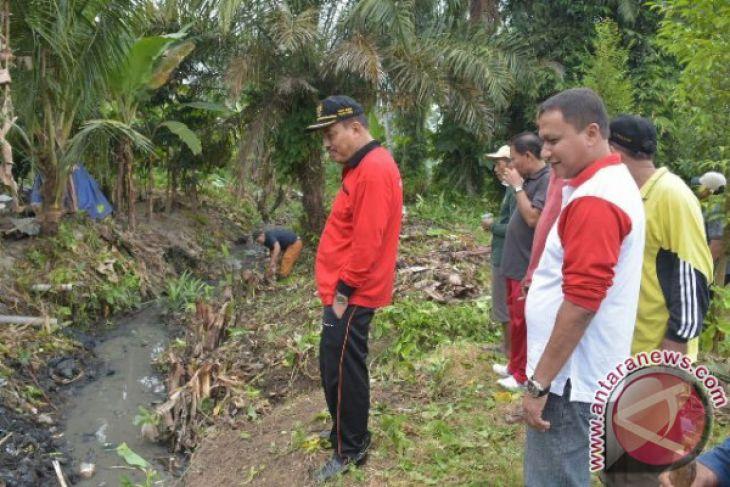 Gotong Royong di Tambangan Padang Hilir
