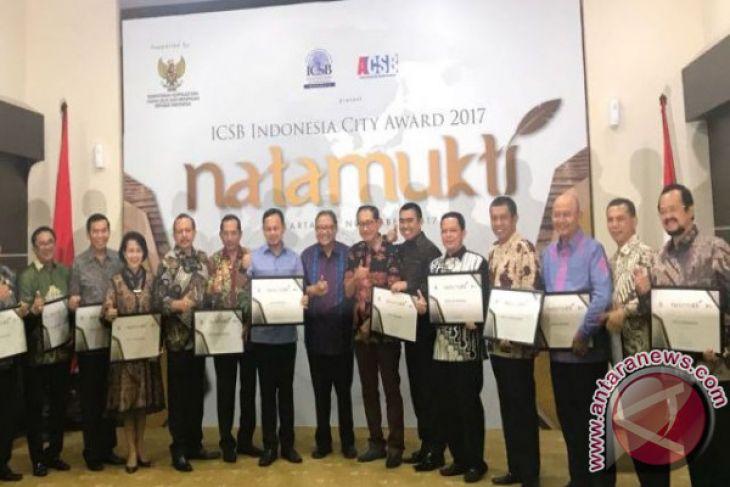 Wali Kota Raih Penghargaan Natamukti