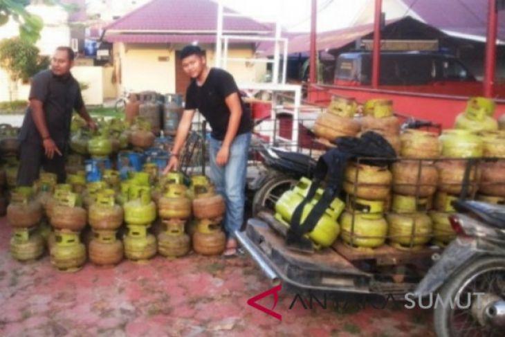 Polisi amankan ratusan tabung elpiji oplosan