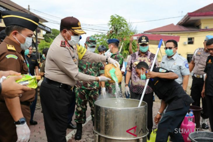 Polda  musnahkan 55,63 kg sabu