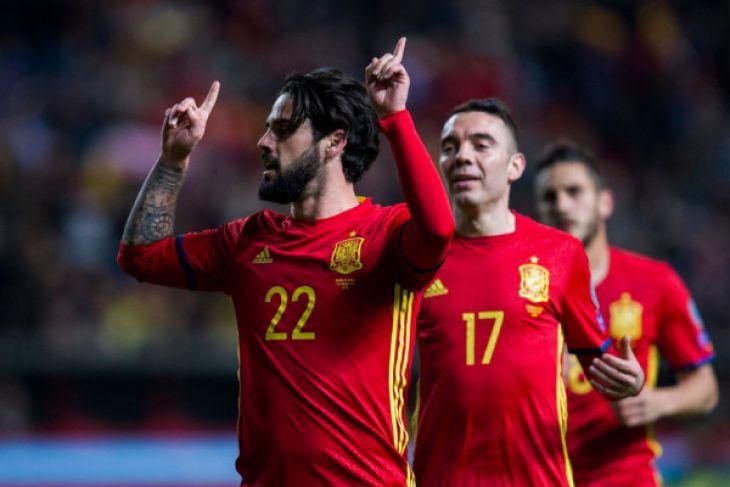 Aspas berbicara dengan Morata setelah masuk Timnas Spanyol
