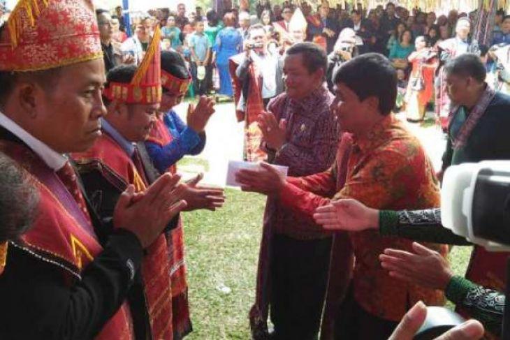 Pemkab Samosir apresiasi pesta Raja Simarmata
