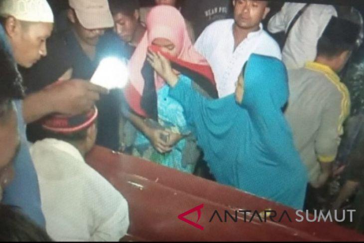Dua jenazah terduga teroris dimakamkan
