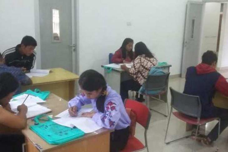 Belasan pelajar samosir ikuti tes beasiswa