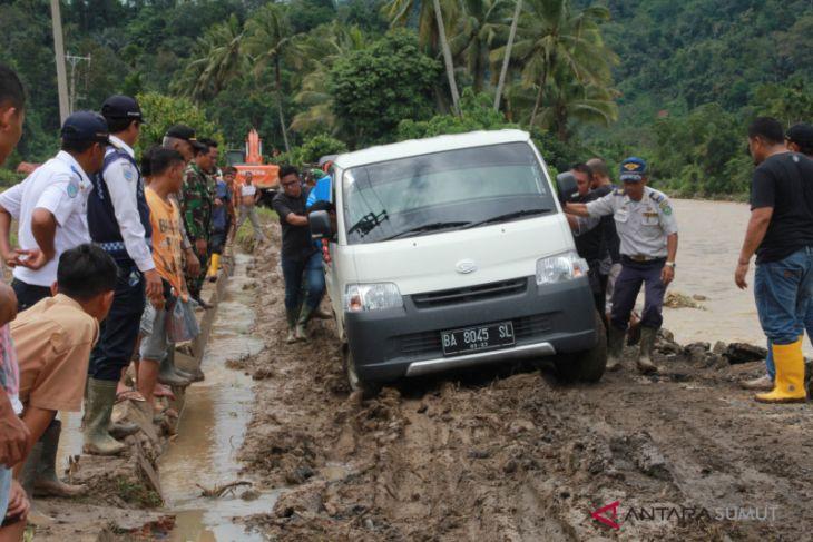 Jalan nasional yang terputus sudah bisa dilewati