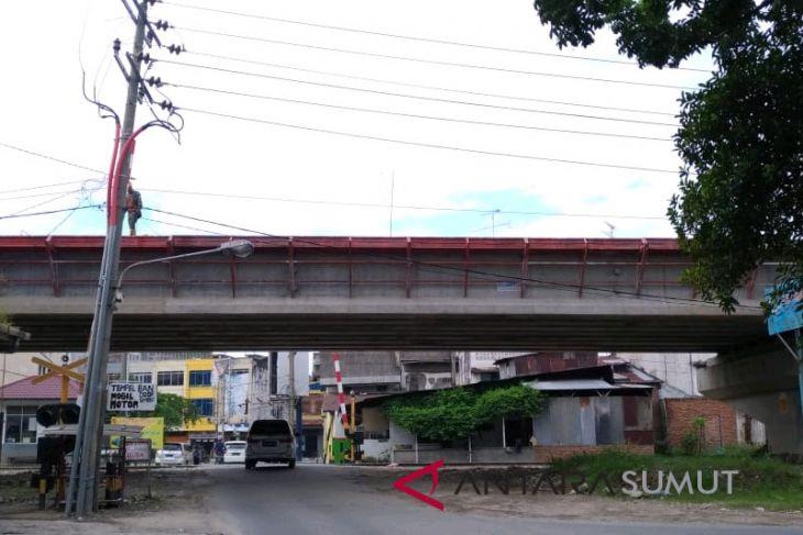 Rel kereta api layang di Sumut beroperasi Maret 2019