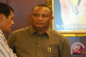 Gubernur Gorontalo Memilih di TPS 2 Moodu