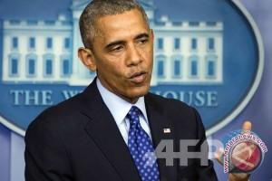 Obama ejek Trump, sanjung Hillary