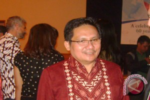 "Wali Kota Gorontalo Pembicara Forum ""transformasi City"""