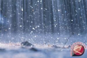 BPBD Ingatkan Warga Waspadai Hujan Disertai Kilat