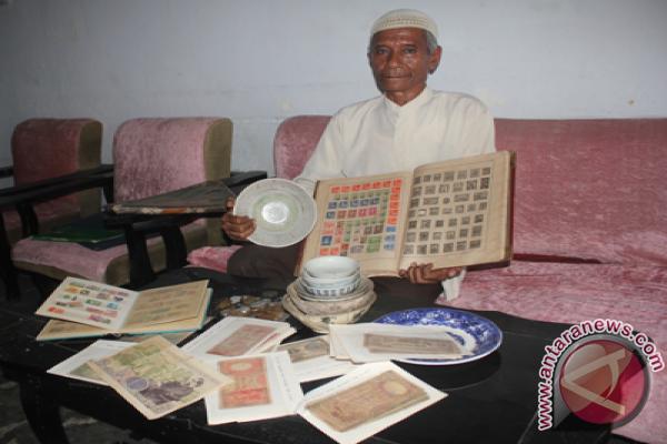 Koleksi Koin-Perangko Antik