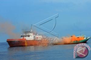 Badan SAR Kota Gorontalo Simulasi di Laut